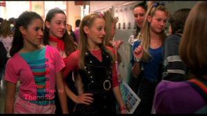 Jenna souhaite faire partie des Six Miss. Le groupe le plus tendance du collège.