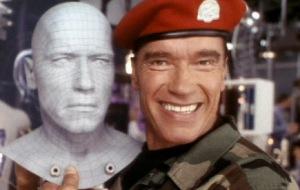 Dans les versions Bluray et Dvd , une scène supplémentaire nous montre le Sergent Candy ayant servi de modèle aux 3 premiers Terminator.