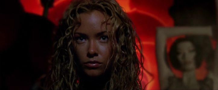 Terminator 3-arrivée-de-la-tx-dans-une-vitrine-de-boutique-de-vetements