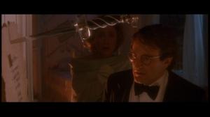 Alors qu'il allait a un gala de charité, les enfants de Peter et Moira sont enlevés par le Capitaine Crochet.