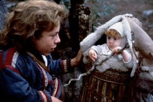 L'arrivée d'Elora, future princesse et élue qui mettra fin au règne tyrannique de la sorcière Bavmorda, chamboulera la vie routinière et calme du fermier Willow