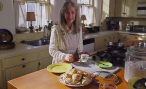 Mamie est une pâtissière hors pair. Mais elle peut aussi avoir des comportements étranges.