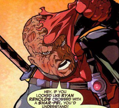 en 2004 dans un des comics de deadpool, le mercenaire se comparait à lacteur ryan reynolds croisé avec un shar pei