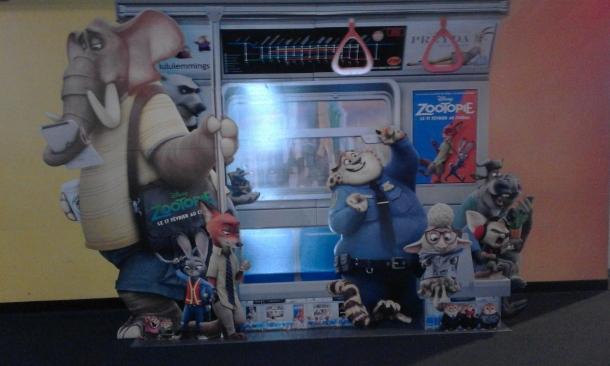 meme la promo du film était ingénieuse. Ici, l'intérieur d'un wagon de métro était représenté