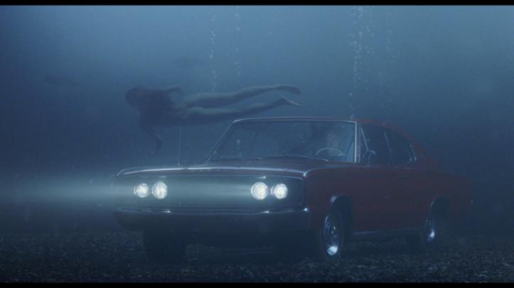 big fish voiture sous l eau femme nue