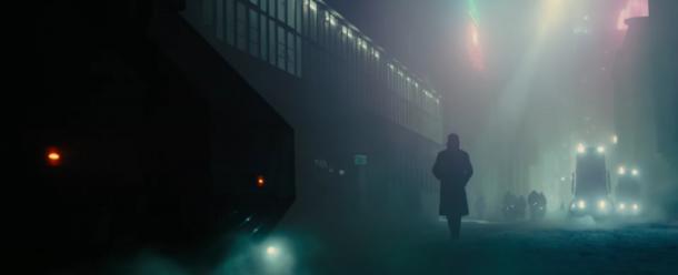 blade runner 2049 brume rue los angeles nuit