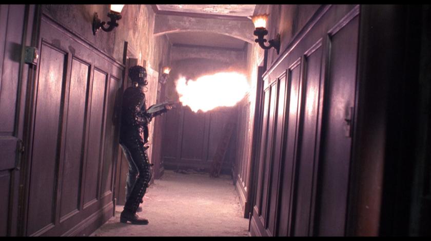 fusil à pompe couloir maison coup de feu combinaison sm sous sol de la peur wes craven