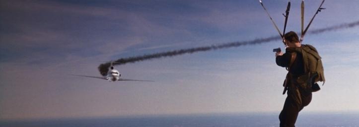 jet effaceur avion parachute schwarzenegger