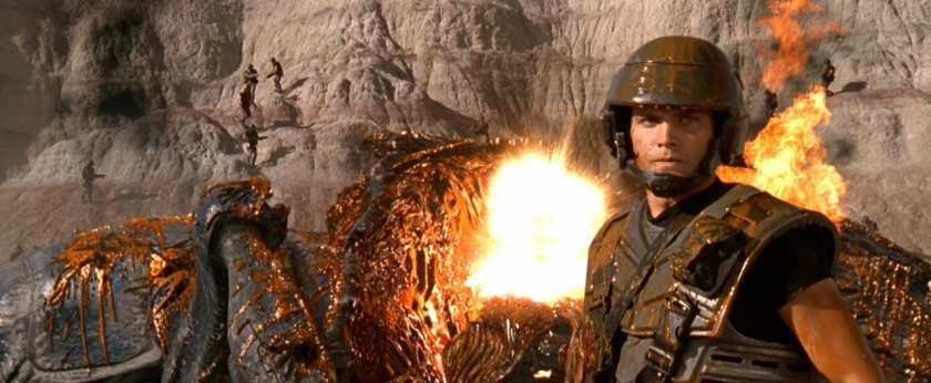 starship troopers explosions cuirassé