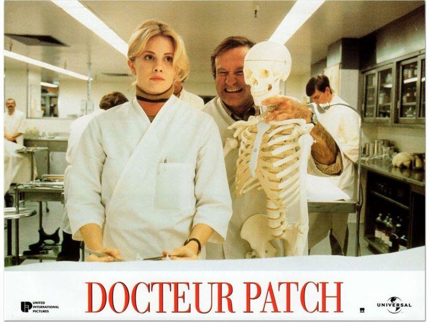 docteur-patch blague avec un squelette