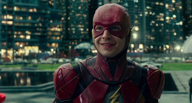 justice league flash souriant