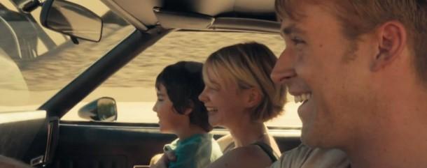 drive-film le chauffeur heureux aux cotes d irene et son fils benicio