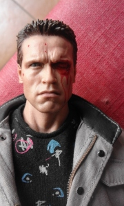 hot toys t 800 1984