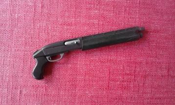 terminator genisys hot toys fusil à pompe