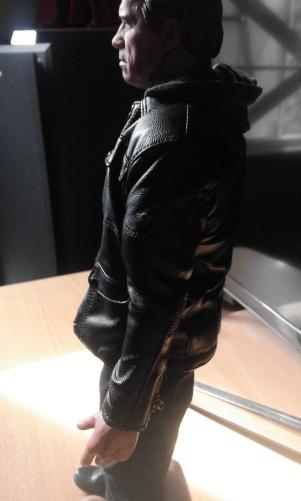 terminator genisys hot toys veste en cuir 2