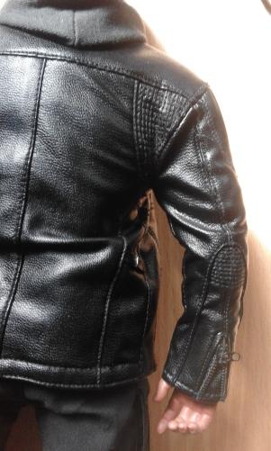 terminator genisys hot toys veste en cuir