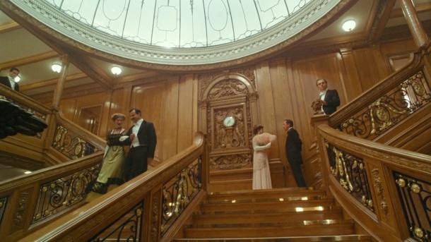 Titanic grand escalier et horloge