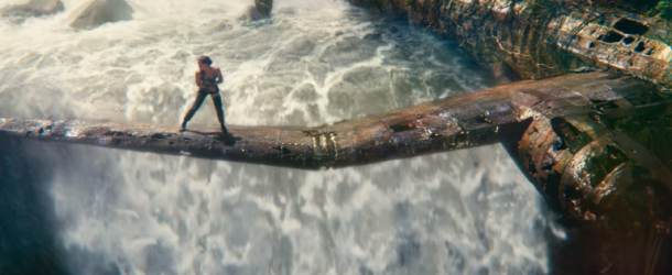tomb-raider-alicia-vikander sur la carcasse d un avion
