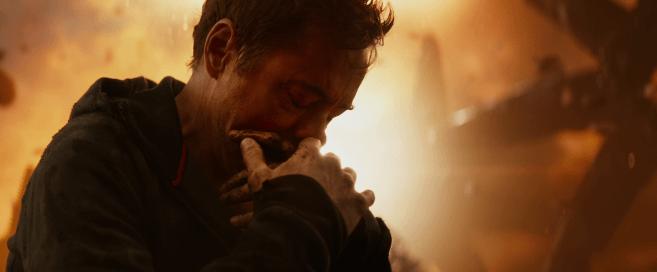 avenger infinity war tony stark blessé et effondré