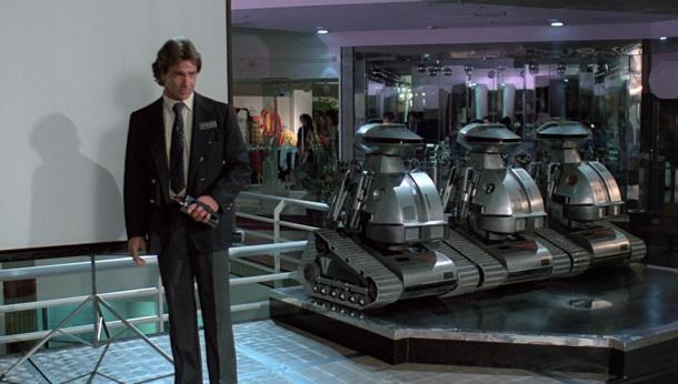 chopping mall presentation des robots lors d'une conférence de presse