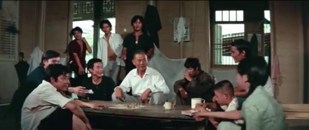 big boss Cheng Chao-an en compagnie de son oncle, ses cousins et sa cousine