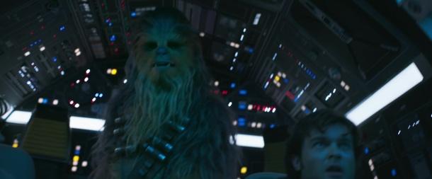 Solo-A-Star-Wars-Story han solo et chewie dans le faucon millenium