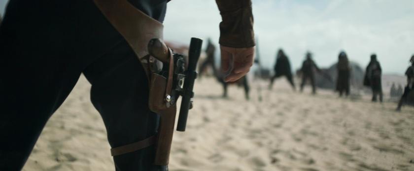 Solo-A-Star-Wars-Story solo face à Enfys Nest et les cloud riders