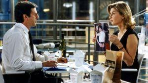 le placard michelle laroque montrant à daniel auteuil une photo de lui avec un autre homme