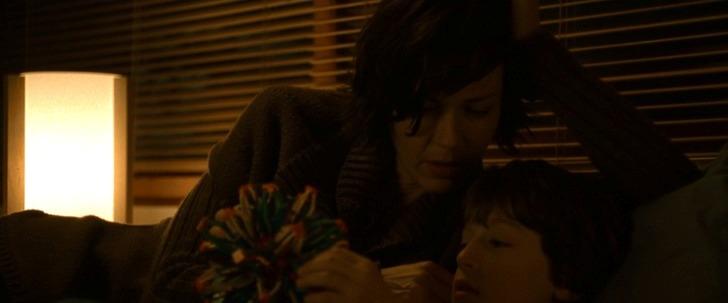 photo obsession le fils de madame yorkin parle a sa mere de sy