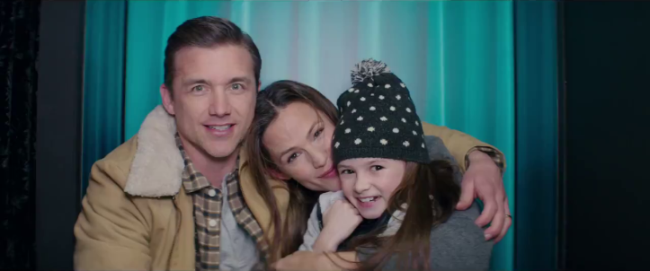 peppermint riley north et sa famille dans un photomaton