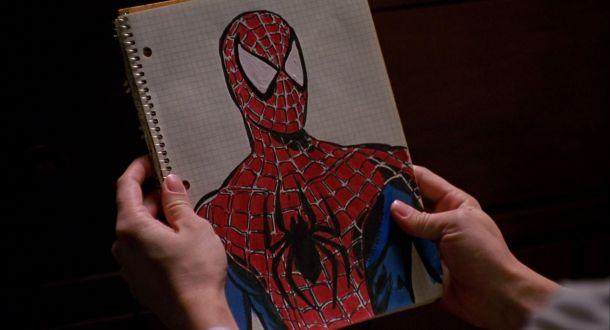 Spiderman 2002 croquis du costume réalisé par peter parker
