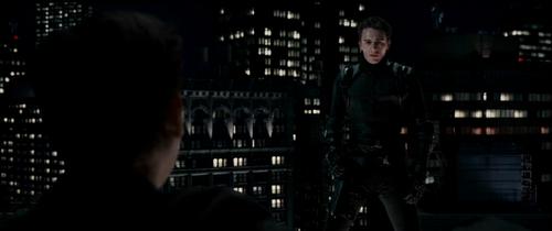 spiderman 3 peter face à harry dans sa tenue du bouffon vert