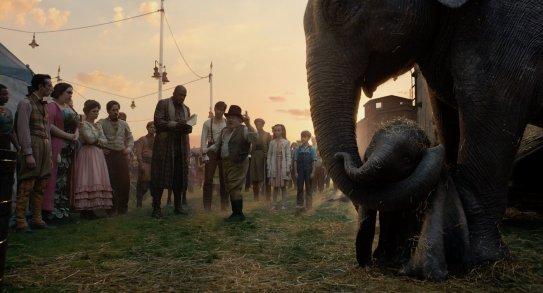 Dumbo 2019 tim burton parce que son elephant a de trop longue oreilles, max medici veut s'en séparer