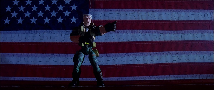 Small soldiers chip hazard en plein discours