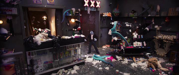 carnage chez les muppets phil philipps dans un sexe shop où des muppets ont été assassinées