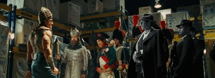 la nuit au musée 2 Kahmunrah entouré d'ivan le terrible, napoleon bonaparte et al capone