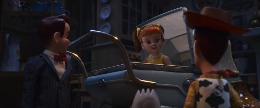 Toy Story 4 Woody et fourchette font la rencontre de Gaby Gaby dans sa poucette et Benson son assistant