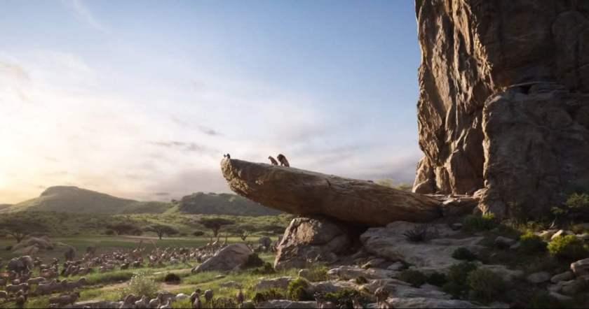 Le roi lion 2019 scène de présentation de simba aux animaux de la savane