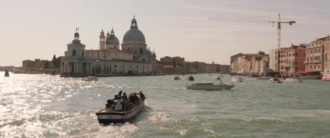 Spiderman Far From Home la classe de Peter Parker part en bateau en italie