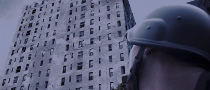 The raid Jaka devant l'immeuble