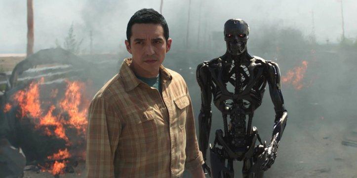 Gabriel-Luna-as-the-Rev-9-in-Terminator-Dark-Fate