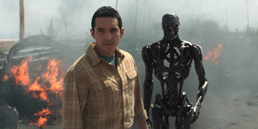 Gabriel-Luna-as-the-Rev-9-in-Terminator-Dark-Fate