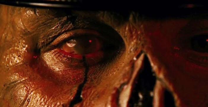 Maniac cop 2 gros plan sur une partie du visage défiguré de Matt Cordell