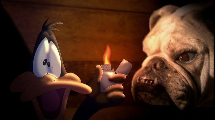Space Jam Daffy Duck terrifié aux cotés de Charles le chien de Jordan