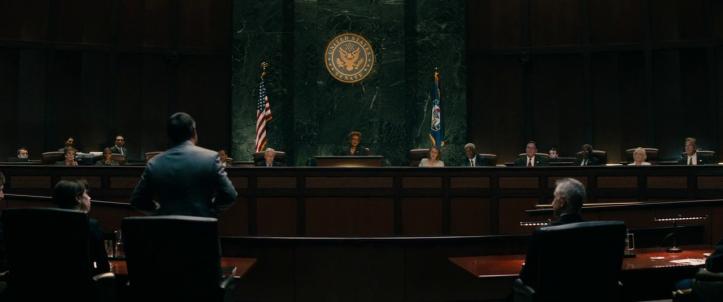 Godzilla 2 Roi des monstres ishira serizawa devant la cour de justice à Washington.