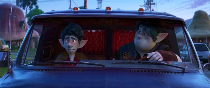 En Avant Disney Pixar ian et barley dans un van