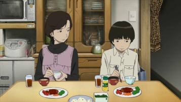 Colorful-makoto-mange-seul-avec-sa-mère