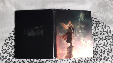 Final-Fantasy-VII-Remake-Edition-Deluxe-PS4-steelbook