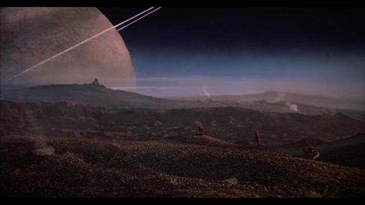 Mac_et_moi-des-aliens-se-promènent-sur-une-planète-proche-de-saturne