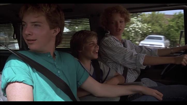 Mac_et_moi-une-mère-et-ses-deux-filssont-dans-une-voiture
